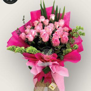 bouquet of bangkok roses 16