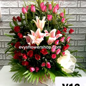 V12, vase of roses, roses, vase arrangement, vase, vase of flowers, flower delivery, flower delivery philippines