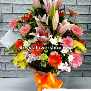 V13, vase of mixed flowers, spring flowers, vase arrangement, vase, vase of flowers, flower delivery, flower delivery philippines