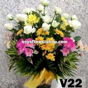 V22, vase of roses, roses, vase arrangement, vase, vase of flowers, flower delivery, flower delivery philippines