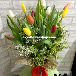 V4, vase of tulips, tulips, vase arrangement, vase, vase of flowers, flower delivery, flower delivery philippines