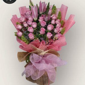 bouquet of bangkok roses 9