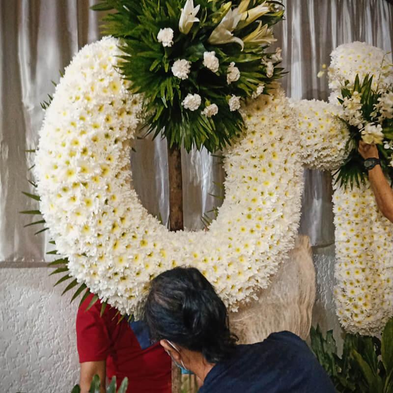flower shop philippines - evy's work space 2